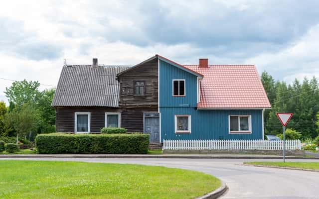Remont wiekowego domu – o czym warto pamiętać?