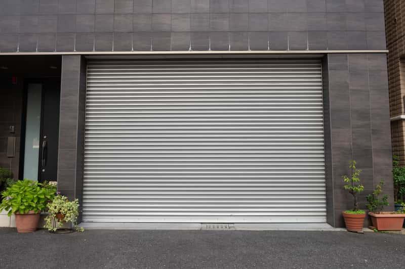 Rolowane bramy garażowe - rodzaje, ceny, opinie, wymiary, porady
