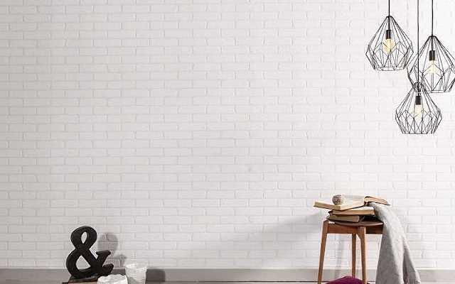 Ściany z białej cegły: w jakich wnętrzach sprawdzi się ten modny styl?