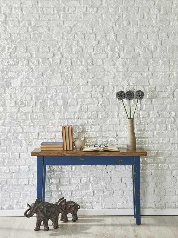 Ściana z białej cegły