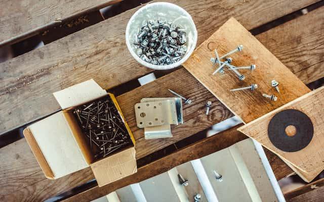 Śruby i wkręty do drewna - rodzaje, zastosowanie, opinie, ceny, producenci
