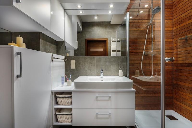 Przydkład aranżacji nowoczesnej łazienki