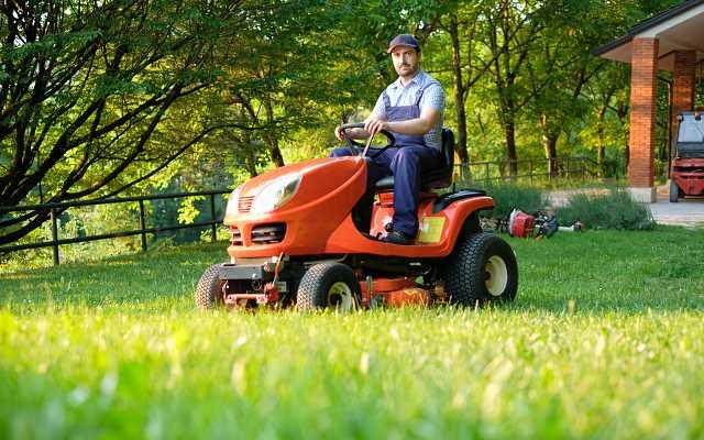 Koszenie trawy - co zrobić, aby było szybkie, łatwe i przyjemne