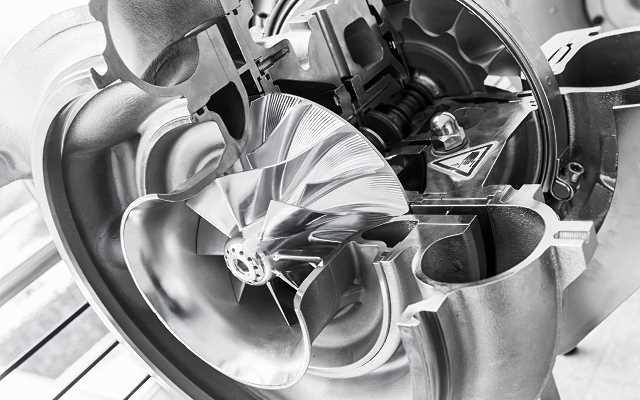 Nowoczesne sprężarki śrubowe - zasady działania i zastosowanie w przemyśle