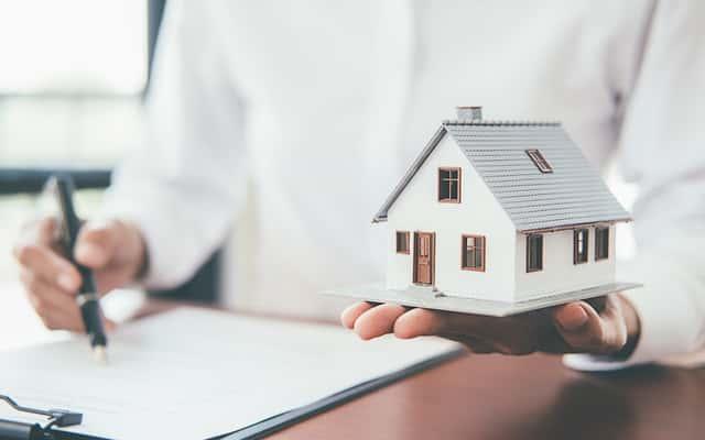 Ubezpieczenia nieruchomości - rodzaje, ceny, na co zwrócić uwagę a z czego zrezygnować