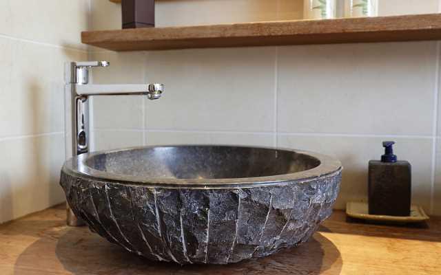 Najlepsze umywalki nablatowe - przegląd