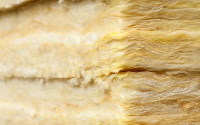 Wata mineralna – rodzaje, producenci, ceny, opinie, porady zakupowe