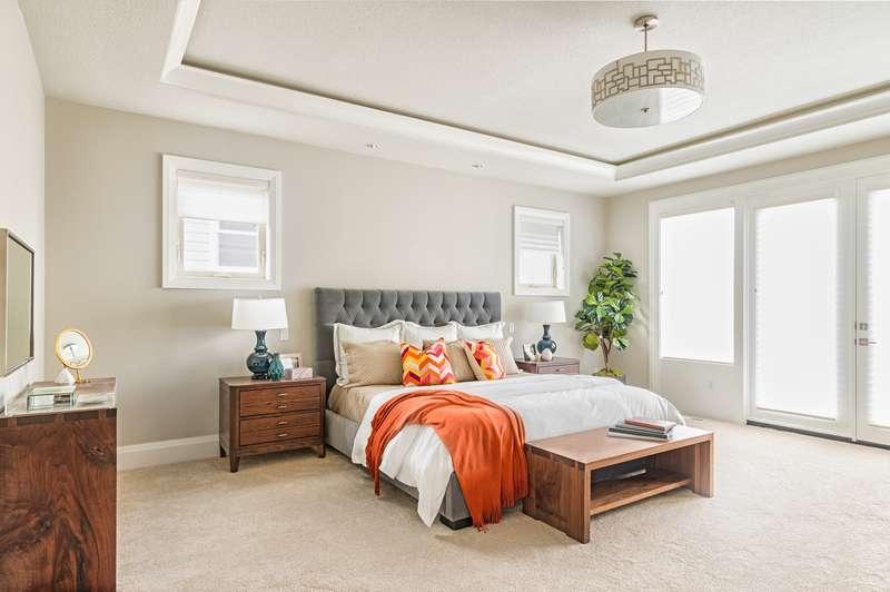 Aranżacja sypialni w wykładziną dywanową