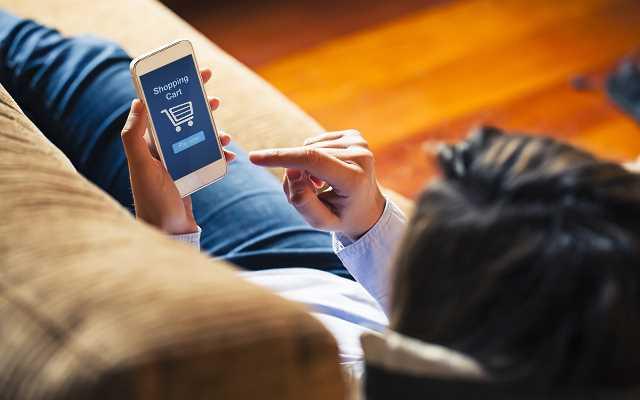 Zakupy przez aplikację mobilną - dlaczego warto?