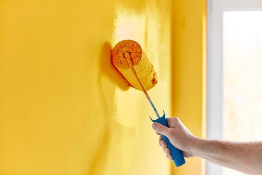 Farby zmywalne do ścian – rodzaje, ceny, opinie, porady praktyczne