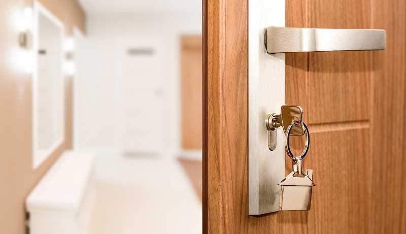 Zewnętrzne drzwi aluminiowe z zamkiem - opis, informacje, materiały, zalety, sposób wykonania, funkcjionalność i estetyka