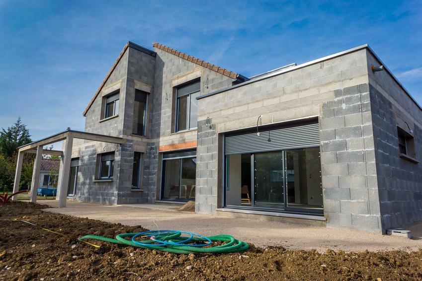Dach płatwiowo-kleszczowy na domu jednrodozinnym, a także jak wygląda dach płatwiowo-kleszczowy, wykonanie, cena, opinie