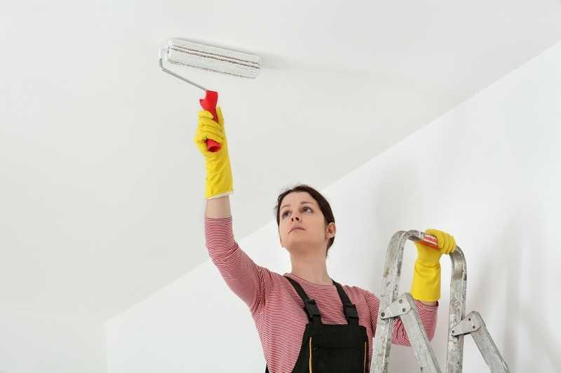 Malowanie sufitu krok po kroku, czyli cena, przygotowanie, podkład, kolory farb, rodzaje farb i producenci