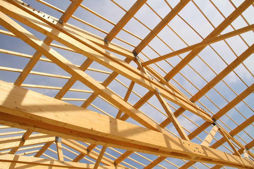 Strop Ackermana wybudowany na stelażu z drewna, a także zastosowanie, cena, wymiary, ciężar, sposób montażu, opinie