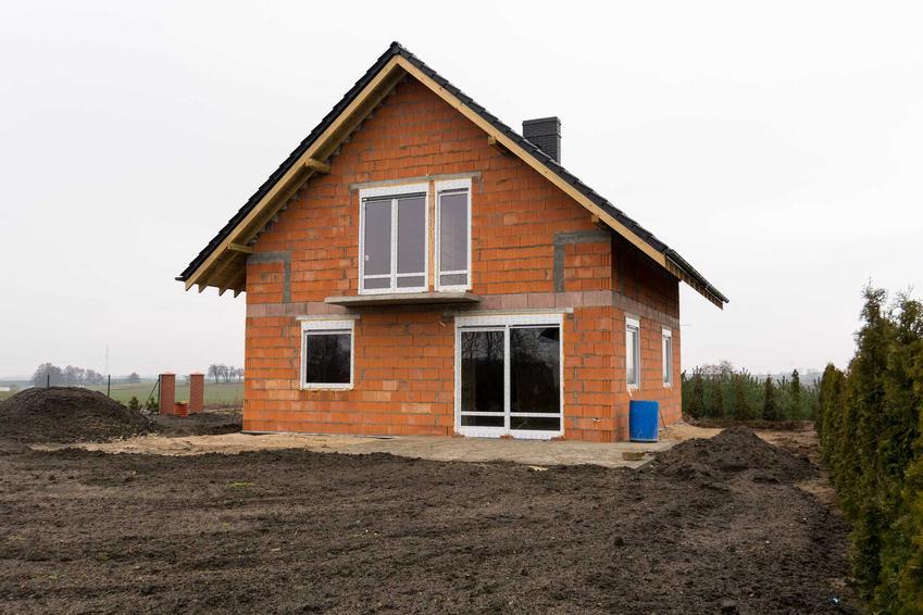 Dom jednorodzinny na niewielkiej działce, a także dom z działką w cenie mieszkania krok po kroku, wykonanie i projekt