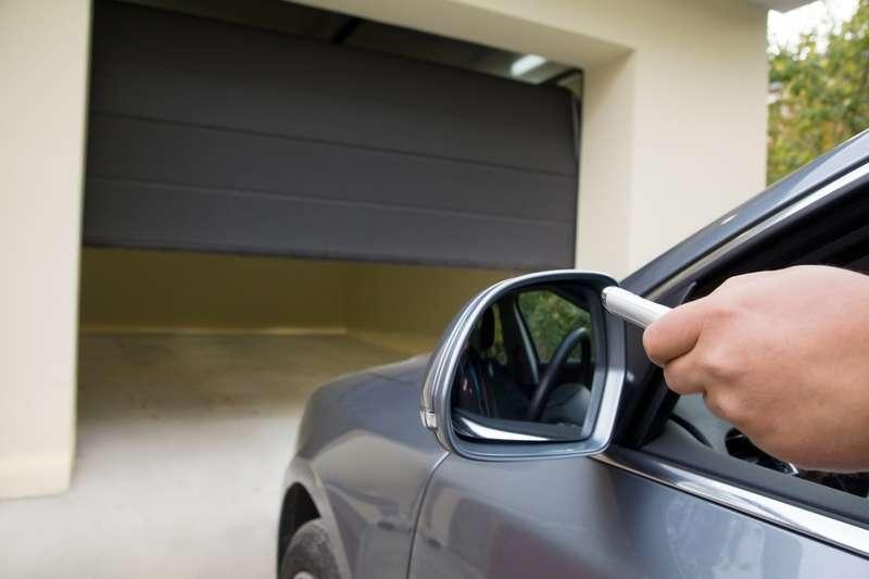 Posadzka w garażu zrobiona z betonu, a także rodzaje, zastosowanie, wykonanie, cena, jakość, wylewanie posadzki