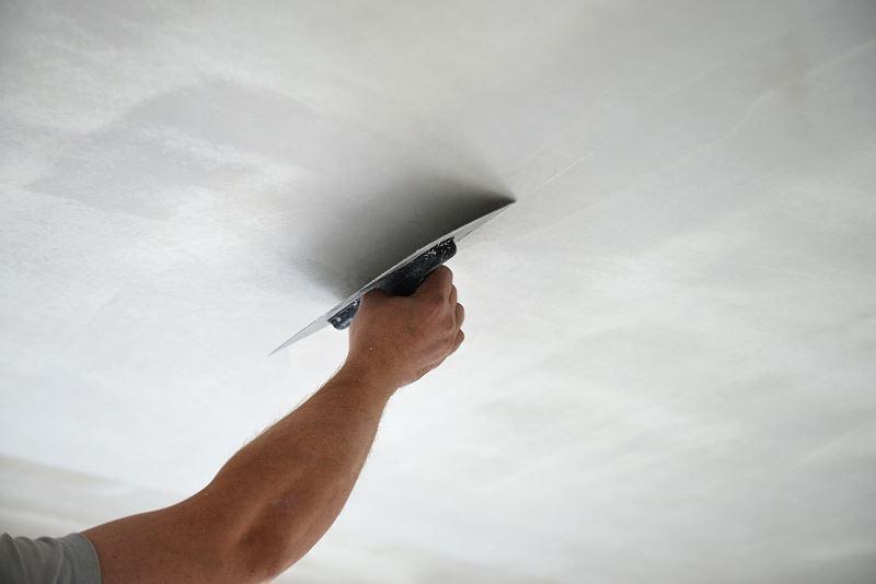 Strop monolityczny powinienmieć dość wysokie parametry techniczne, takie jak grubość, izolacja akustyczna czy terminczna.