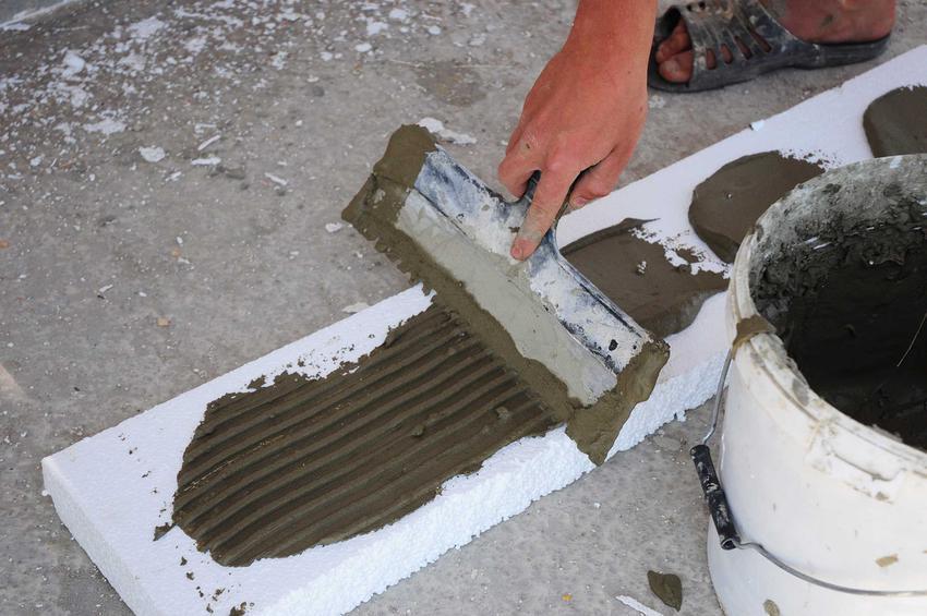 Styropian na podłogę musi być dopasowany do systemu ogrzewania podłogowego. Jego grubość zależy od poziomu wcześniej założonej izolacji