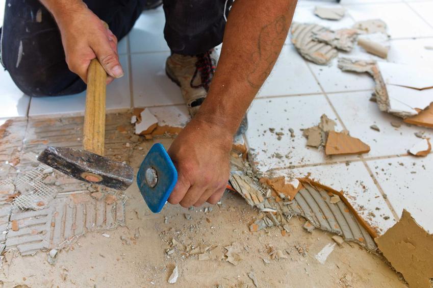Remont pokoju jest stosunkowo najtańszy i nie wymaga dużych nakładów pracy. W zasadzie skupia się na przemalowaniu ścian, ewentualnie na wymianie podłogi