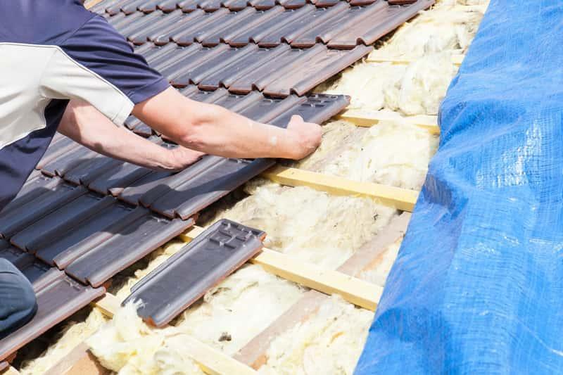 Dach jednospadowy krok po kroku, czyli konstrukcja, budowa, koszt założenia dachu jednospadowego, zstosowanie, konstrukcja