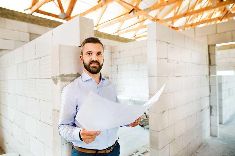 Budowa domu do stanu surowego, a także proces budowy domu do stanu surowego deweloperskiego oraz najważniejsze informacje