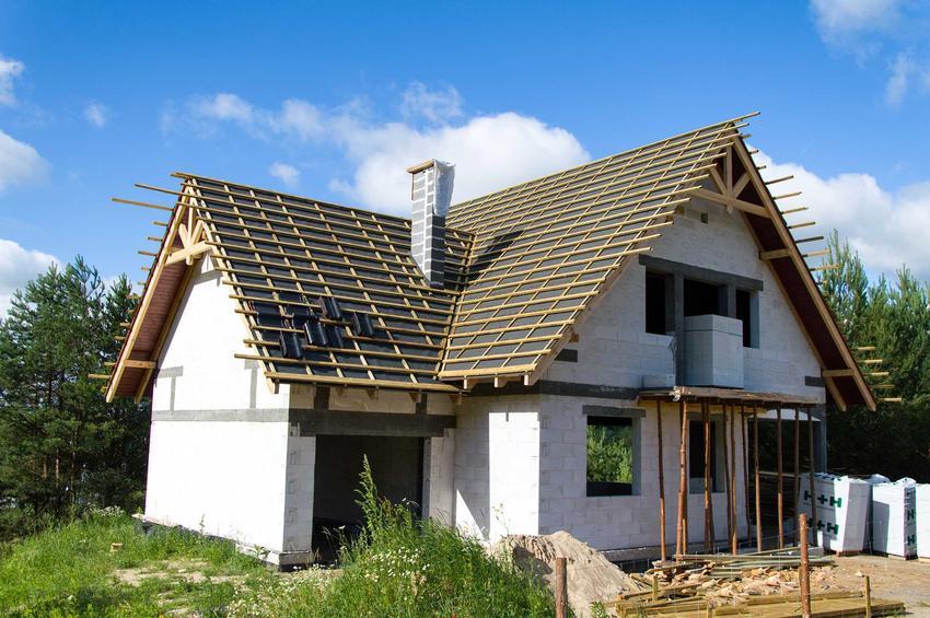 Jakie są koszty wykończenia domu do stanu surowego i do stanu zamkniętego? Cena wykończenia domu