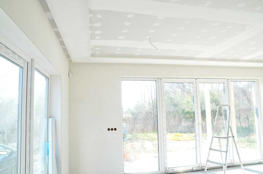 Strop strunobetonowy to jedno z najlepszych rozwiązań do nowoczesnych pomieszczeń. Świetnie się sprawdza, płyty stropowe wykorzystuje się na wielu budowach.