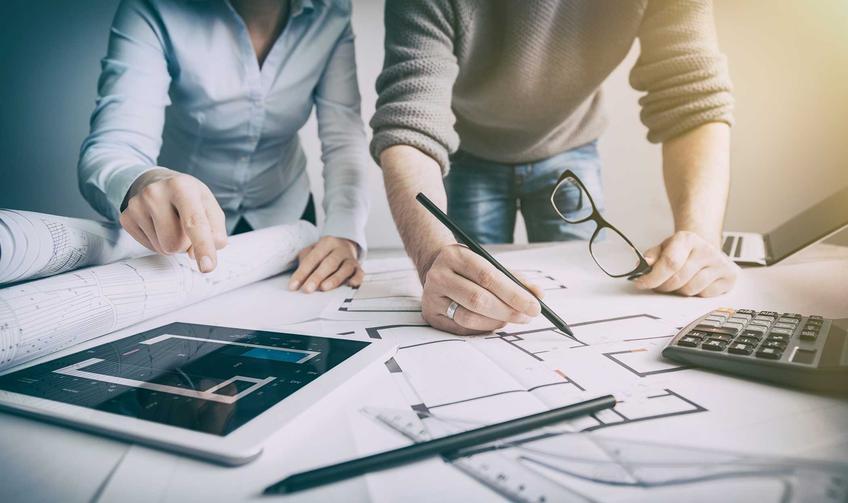 Projekty małych domów to świetne rozwiązanie. Mogą mieć podpiwnicze, albo poddasze. Warto zamówić gotowy projekt i dopasować do swoich wymagań.