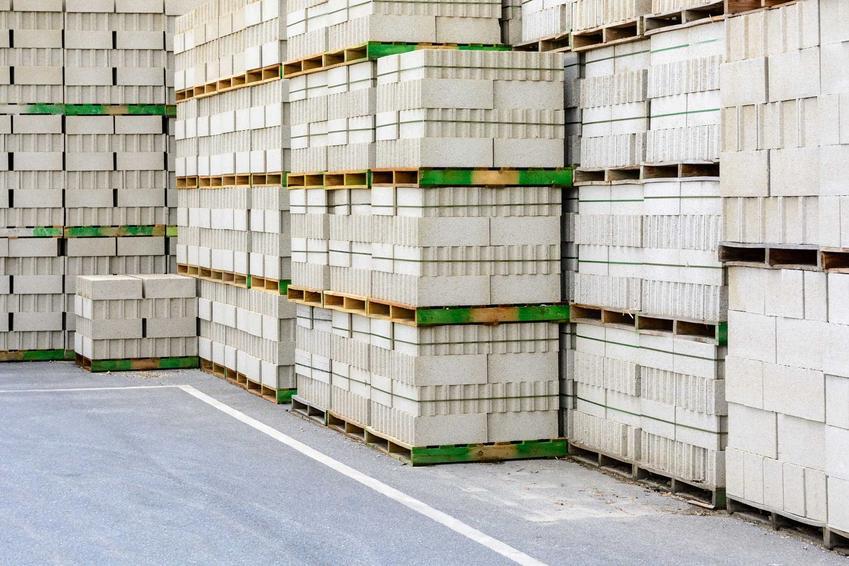 Bloczki betonowe Ytong i Suporex są bardzo wysokiej jakości, ponieważ mają niewielką gęstość. Wykorzystuje się je do budowy domu, zwłaszcza ścian zewnętrznych.