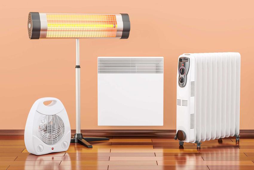 Ogrzewanie prądem to dość duży wydatek roczny. Koszty nie są zbyt duże, ale cena instalacji nie jest wysoka.