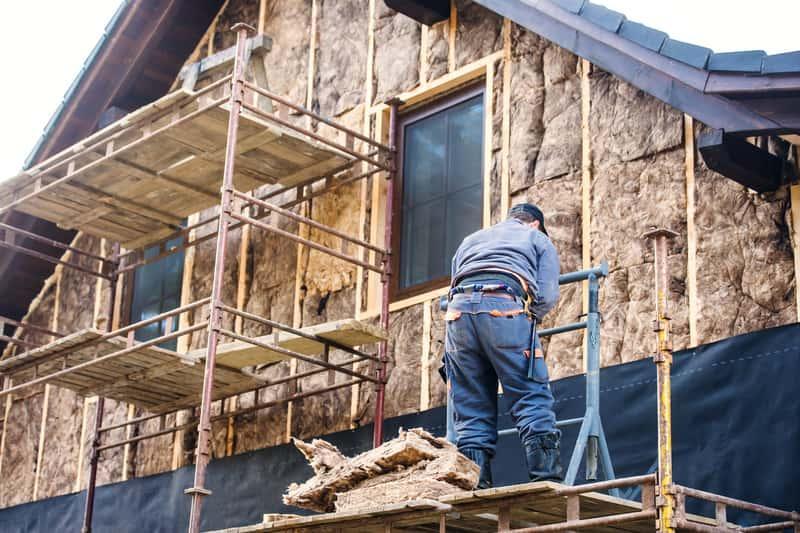 Prace podczas docieplenia budynków, a także jaki materiał wybrać do docieplenia budynków i domów jednorodzinnych, materiały, rodzaje, zastosowanie