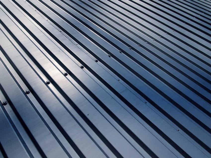 Cennik pokryć dachowych 2021 - blacha trapezowa, blachodachówka, dachówka ceramiczna, gont bitumiczny