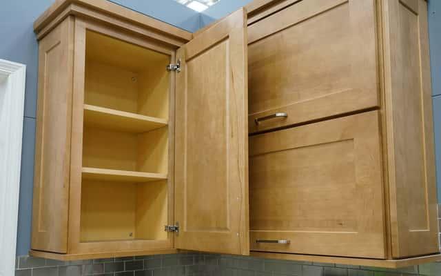 Używana szafka kuchenna, a także informacje, gdzie kupić używane meble kuchenne i szafki do kuchni w dobrym stanie