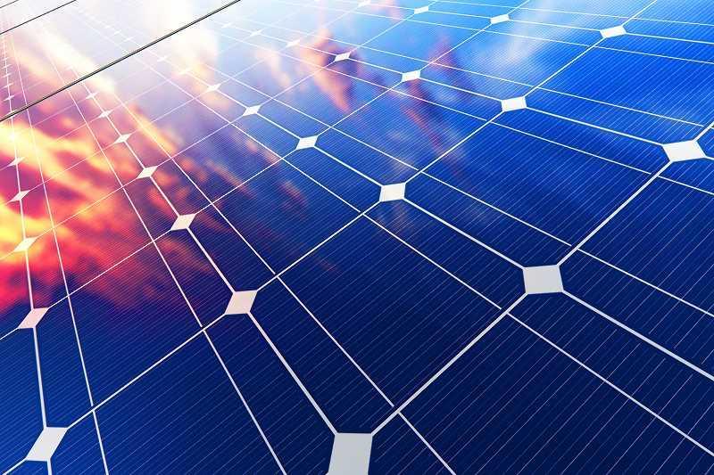 Cennik OZE zmienia się z roku na rok. Panele fotowoltaiczne, solarne i pompy ciepła ciągle tanieją, są więc dobrą inwestycją.