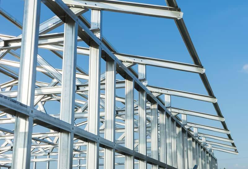 Domy szkieletowe stalowe nie są szczególnie popularne. Domy szkieletowe ze stali to szybki montaż i niewysokie ceny.