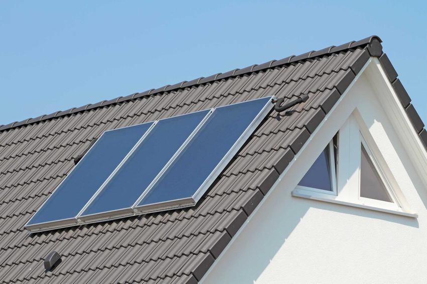 Solary na dachu domu jednorodzinnego, czyli najlepsze sposoby ogrzewania domu jednorodzinnego krok po kroku
