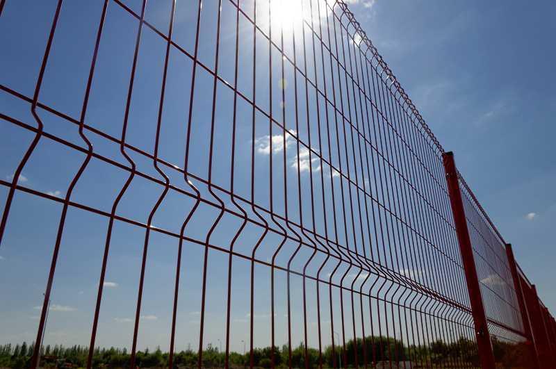 Cennik ogrodzeń panelowych i ich montażu 2021