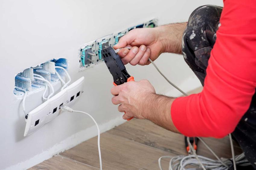 Wymiana instalacji elektrycznej w mieszkaniu - koszt, poprawki i standardowe schematy