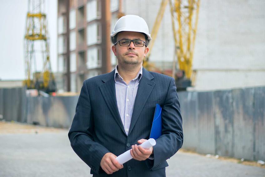Uprawnienia budowlane sprawiają, że inżynierowie i elektrycy mogą wszystkie projekty podpisywać własnym nazwiskiem i nadzorować samodzielnie