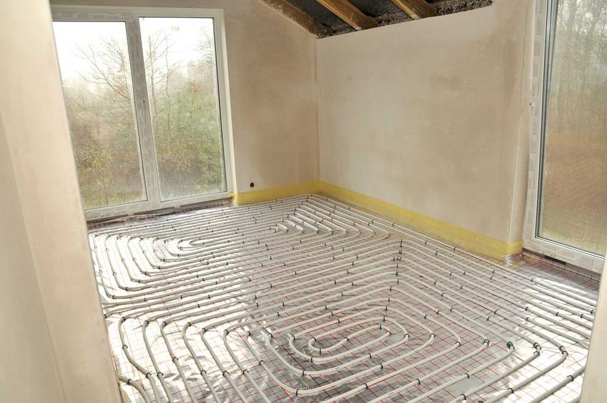 Instalacja ogrzewania podłogowego to dość duży wydatek. To jeden z podstawowych rodzajów instalacji, który dobrze sprawdza się zwłaszcza w domkach jednorodzinnych.