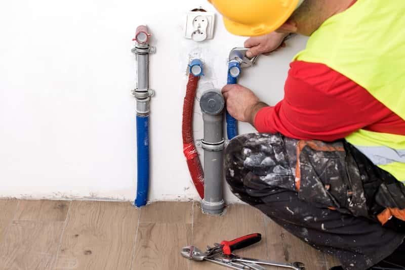 Koszty wykonania instalacja wodno-kanalizacyjnej są bardzo różne. Cena instalacji kanalizacyjnej jest zależna od kilku czynników.