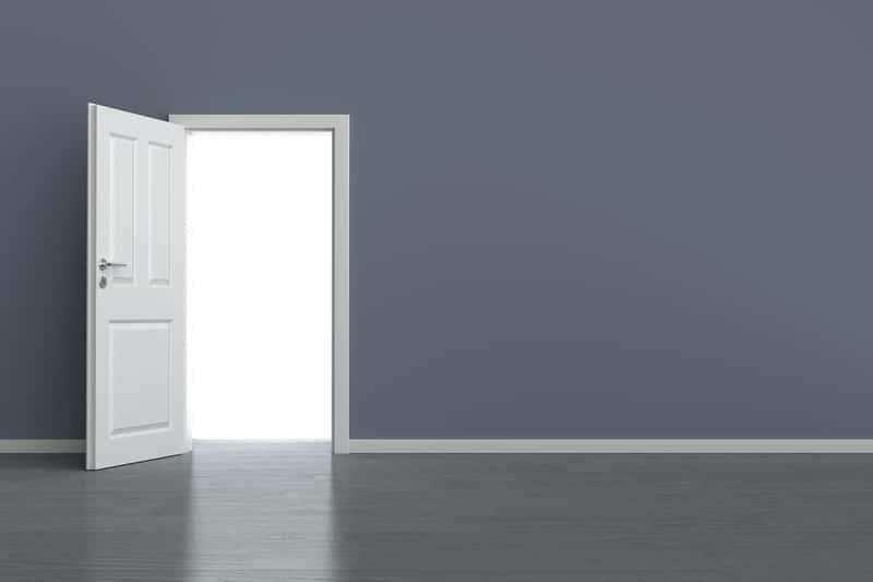 Jakie są standardowe wymiary drzwi wewnętrznych i zewnętrznych? Jak sprawdzić szerokość drzwi i zaplanować ich wymiary w różnych budynkach. Obsługa czytników ekranu włączona.