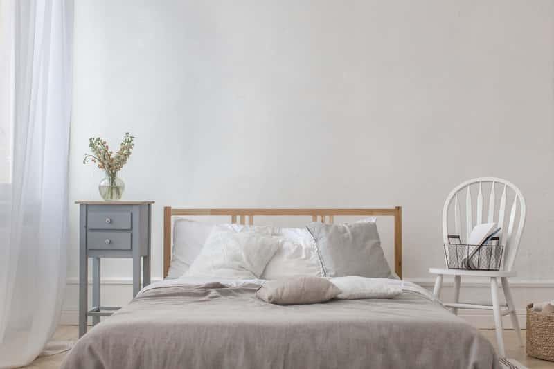 Łóżko w nowoczesnej sypialni, a także, jak zrobić łóżko do sypialni, wykonanie, drewniane łóżko, przygotowanie krok po kroku
