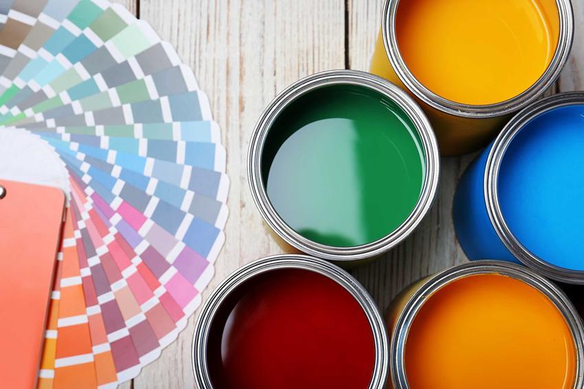 Ceny matierłów budowlanych w marketach bywają dość podobne. Farby i inne materiały budowlane mogą być tańsze w dużych marketach.