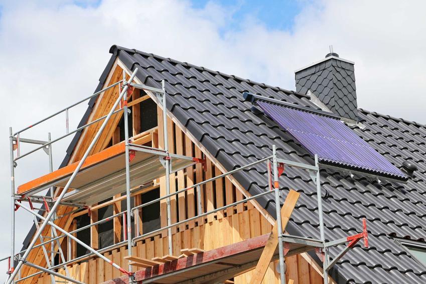 Przebudowa czy rozbudowa domu to dość duży wydatek. Wszystkie koszty mogą być wysokie, jest także mnóstwo formalności do załatwienia.