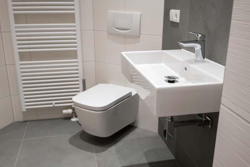 Optymalna wysokosć umywalki w nowoczesnej łazience, a także jak ustawić wysokość umywalki i montaż umywalki