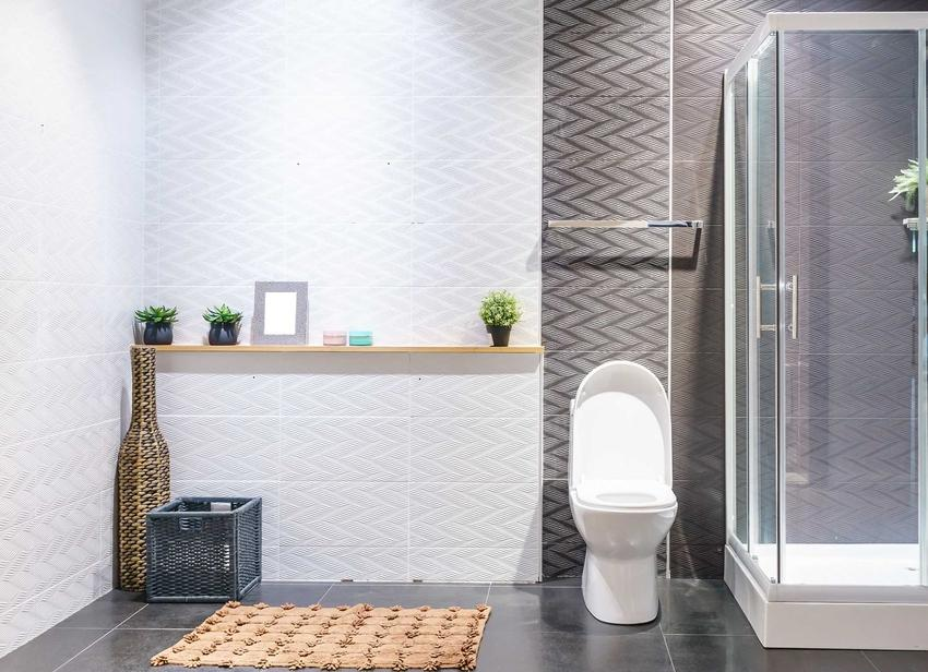 Kabina prysznicowa z brodzikiem to świetne rozwiązanie. Może mieć różnego rodzaju drzwi lub być wyposażona w siedzisko.