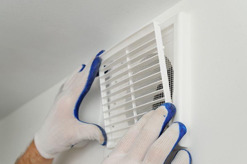 Czyszczenie kanałów wentylacyjnych należy przeprowadzać regularnie, żeby system wentylacji był sprawny