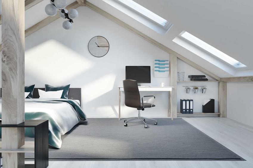 Nowoczesna sypialnia na poddaszu, umieszczona w dużych pomieszczeniach to świetne rozwiązanie. Aranżacja sypialni nie jest szczególnie wymagająca ani szczególnie trudna. Duże sypialnie na poddaszu mają wiele uroku.