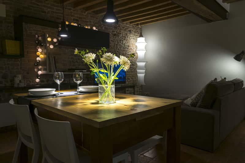 Ściemnione oświetlenie w kuchni, a także ściemniacz oświetlenia, najlepsze żarówki, rodzaje, zastosownaie, ceny